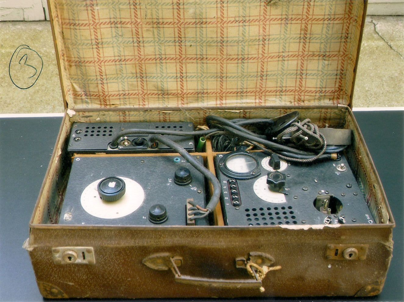 German Abwehr SE 85/14 Suitcase Radio