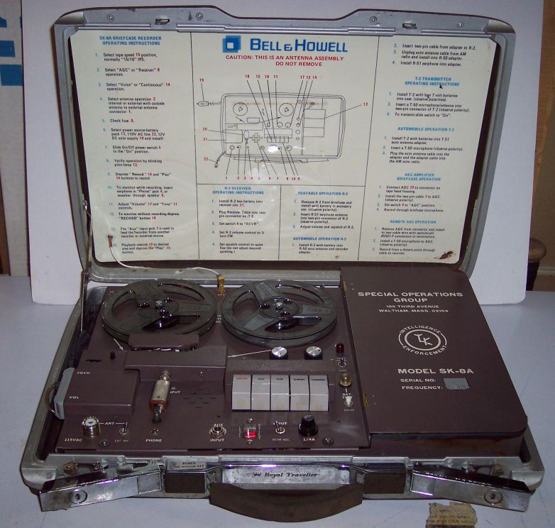 Mallette d'observation sonore KEL / Bell & Howell SK-8A