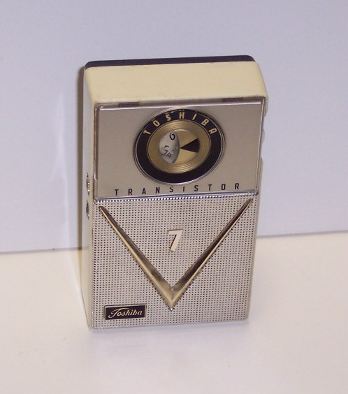 0cd6cbe139f Toshiba 7TP-303A-7 Transistor Radio